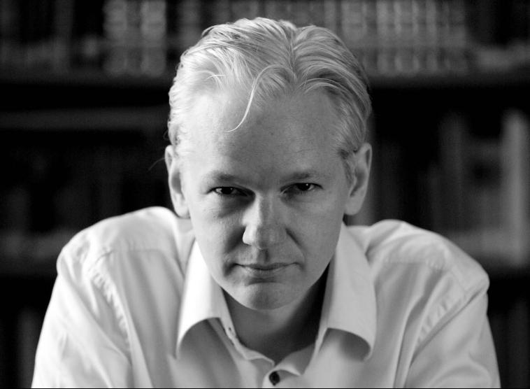 julian_assange_2010-front1.jpg